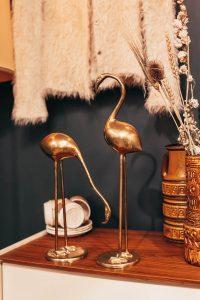 Messing items: kraanvogels.